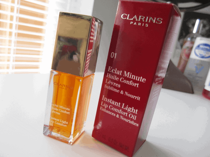 Clarins Instant Light Lip Comfort Oil review girllovesgloss.com