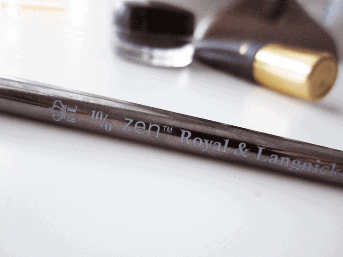 Royal and Langnickel eyeliner brush