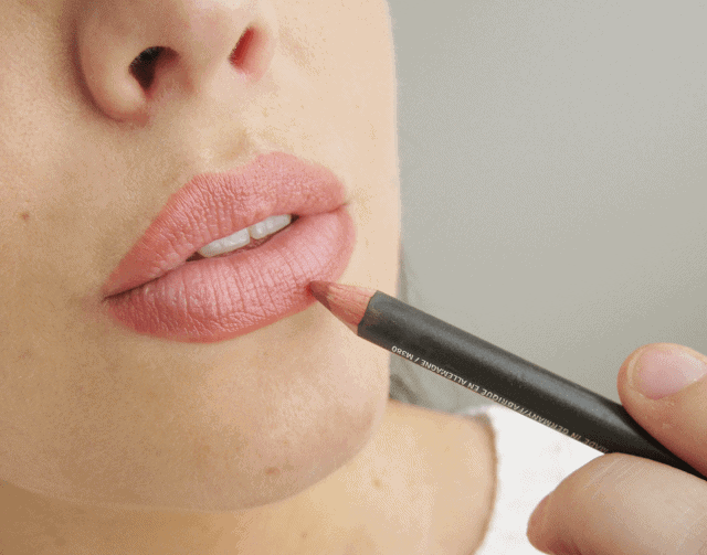Connu Revisiting a Classic | Mac Spice Lipliner • Girl Loves Gloss XX67