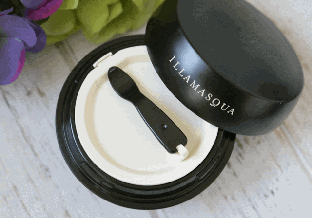 Illamasqua Hydra Matte Radiance Veil Swatch and Review