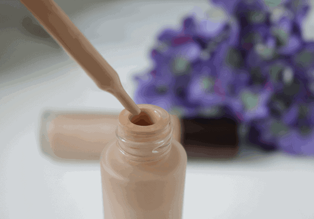 Becca Aqua Luminous Perfecting Foundation Review and Swatch