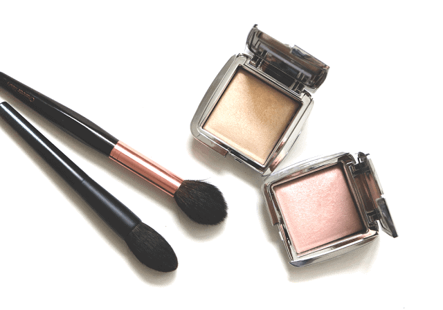Getting Glow: Hourglass Ambient Strobe Lighting Powders