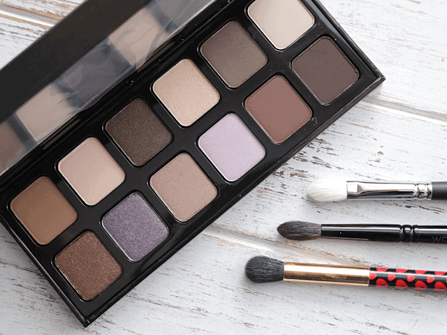 Laura Mercier Extreme Neutrals Eyeshadow Palette Review + Swatches